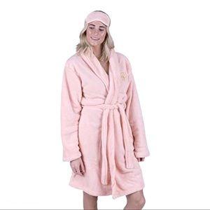 NWOT Adrienne Vittadini Baby Pink Plush Robe OS